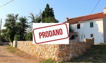 JAKIŠNICA/GAGER  Kuća 80 m2 s dvorištem u malom naselju pored Jakišnice ► 72.000 €