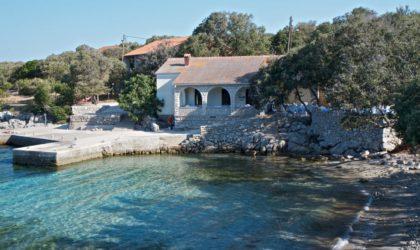 DUDIĆI Građevinsko zemljište 1.800 m2 pored mora, prilika i za investitore ► 120 €/m2