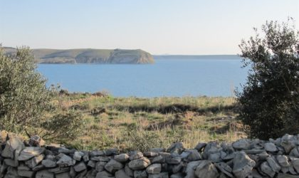 RAŽANAC/RTINA: Građevinsko zemljište 1.164 m2 s panoramskim pogledom na more i otoke ► 65.000 €
