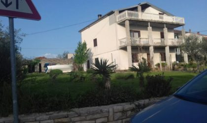 ZADAR/DIKLO Kuća 430 m2 i teren 1.039 m2 s projektom za gradnju apartmanske zgrade ► 500.000 €