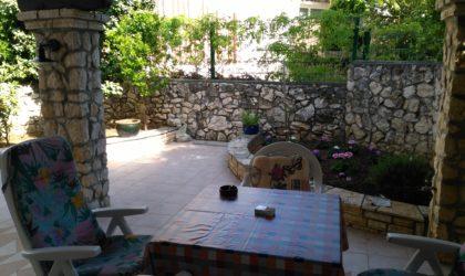 GAJAC Uređeni apartman 67 m2 s velikim dvorištem, koncipiran kao dvije zasebne stambene jedinice ► 190.000 €