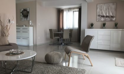 MANDRE Luksuzni 3-sobni penthouse 114 m2 s terasom blizu plaže ► 170.000 €