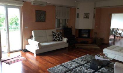 RIJEKA Luksuzni stan s terasom, pogled na more, 5 spavaćih soba, dvije kupaone, Srdoči ► 320.000 €