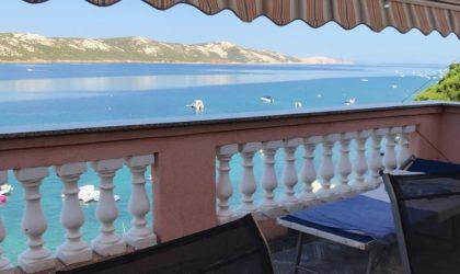 STARA NOVALJA 3-sobni apartman 70 m2 s velikom terasom 24 m2, PRVI RED DO MORA ► 196.000 €