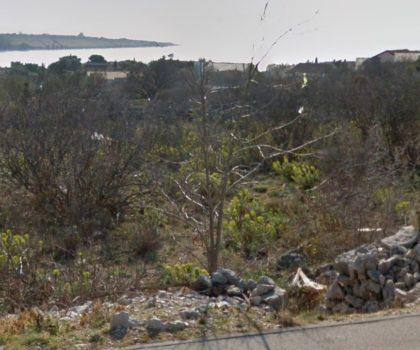 NOVALJA Građevinsko zemljište 1486 m2, sva infrastruktura, pogled na cijeli zaljev ► 130 €/m2