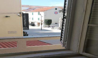NOVALJA 4-sobni apartman 79 m2 s balkonom, u samom centru mjesta, Trg Loža ► 85.000 €